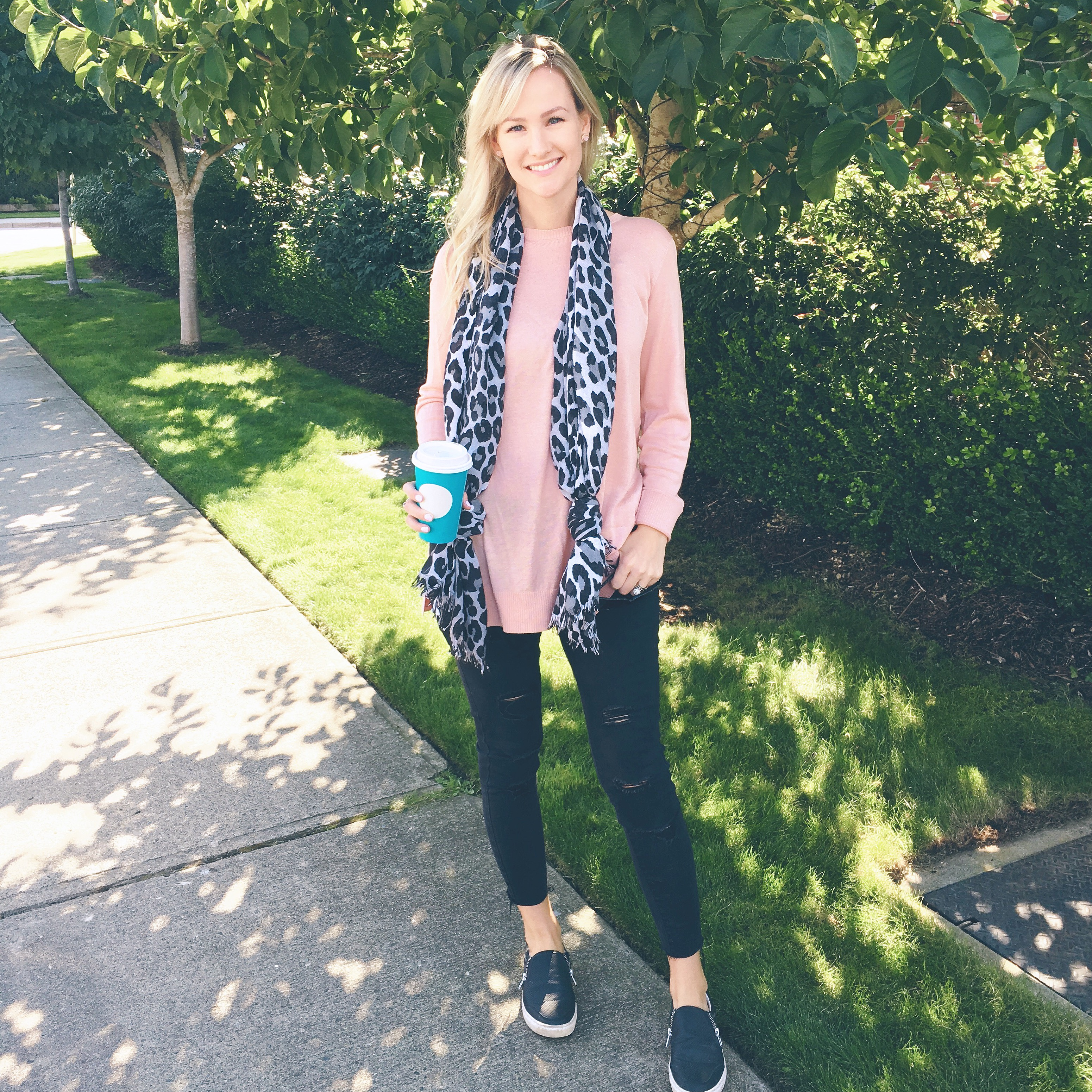 Casual Outfit - leopard scarf, Pink sweater, Black ripped jeans