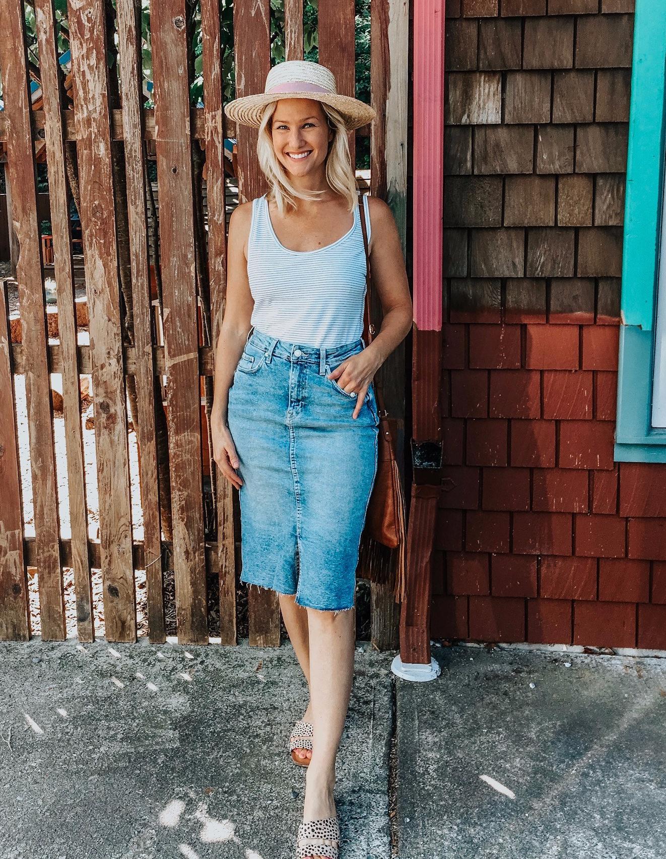 Denim skirt & straw hat